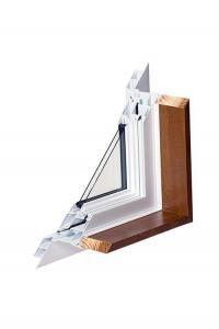 Timber jamb to edge of aluminium window